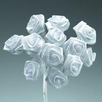 Kytice růžiček ze saténu 12ks bílá SCRAPBERRYS