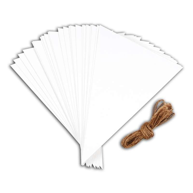 Papírové hladké trojúhelníky na zavěšení z bílého papíru kartonu, použití oslavy, narozeniny, na stránky, bloky, alba Design Objectives