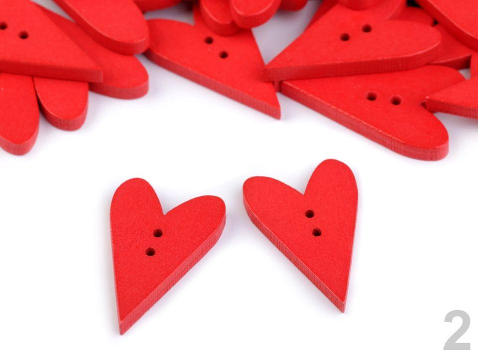 Dřevěný dekorační knoflík 21x33 mm rudé srdce - 4 ks - sada k zdobení i dozdobení pro přání a scrapbooking nezařazeno